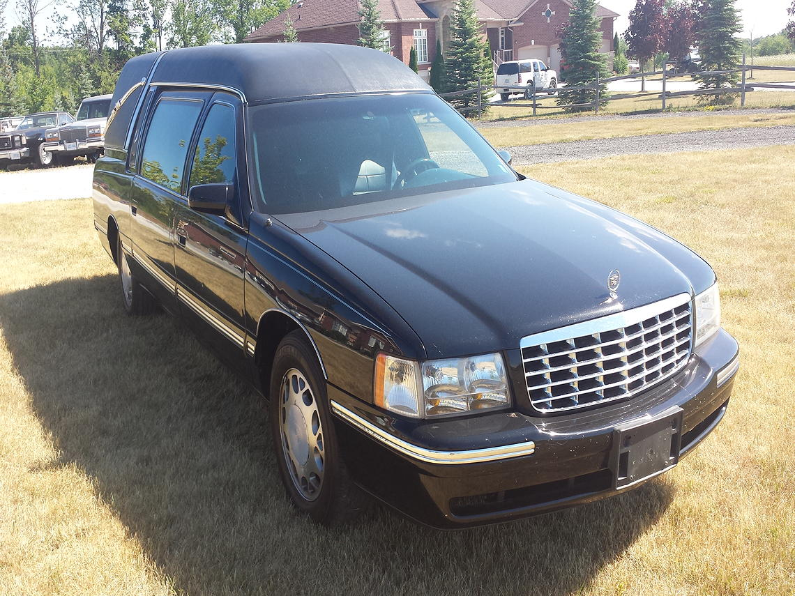 99 Superior Hearse_Frontview