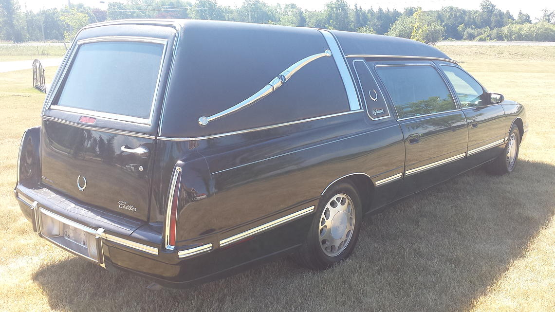 99 Superior Hearse_Sideview