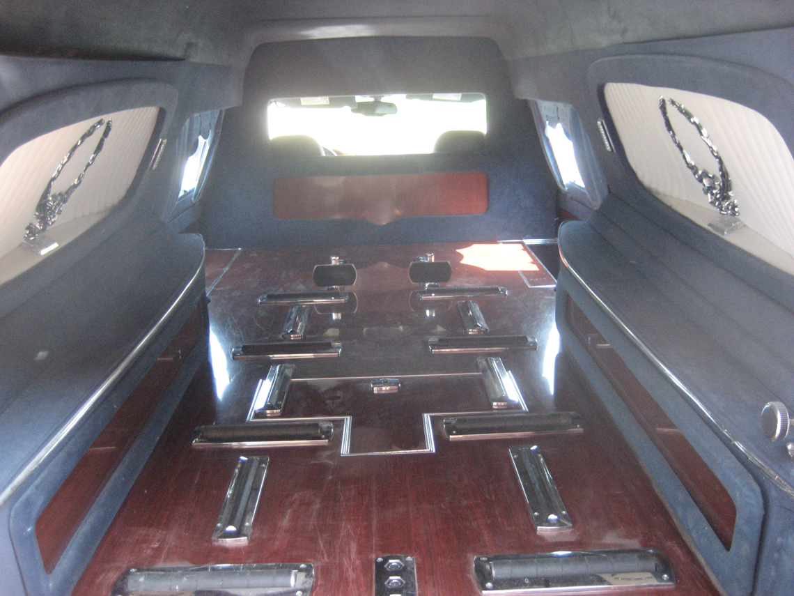 2003-National-hearse-004