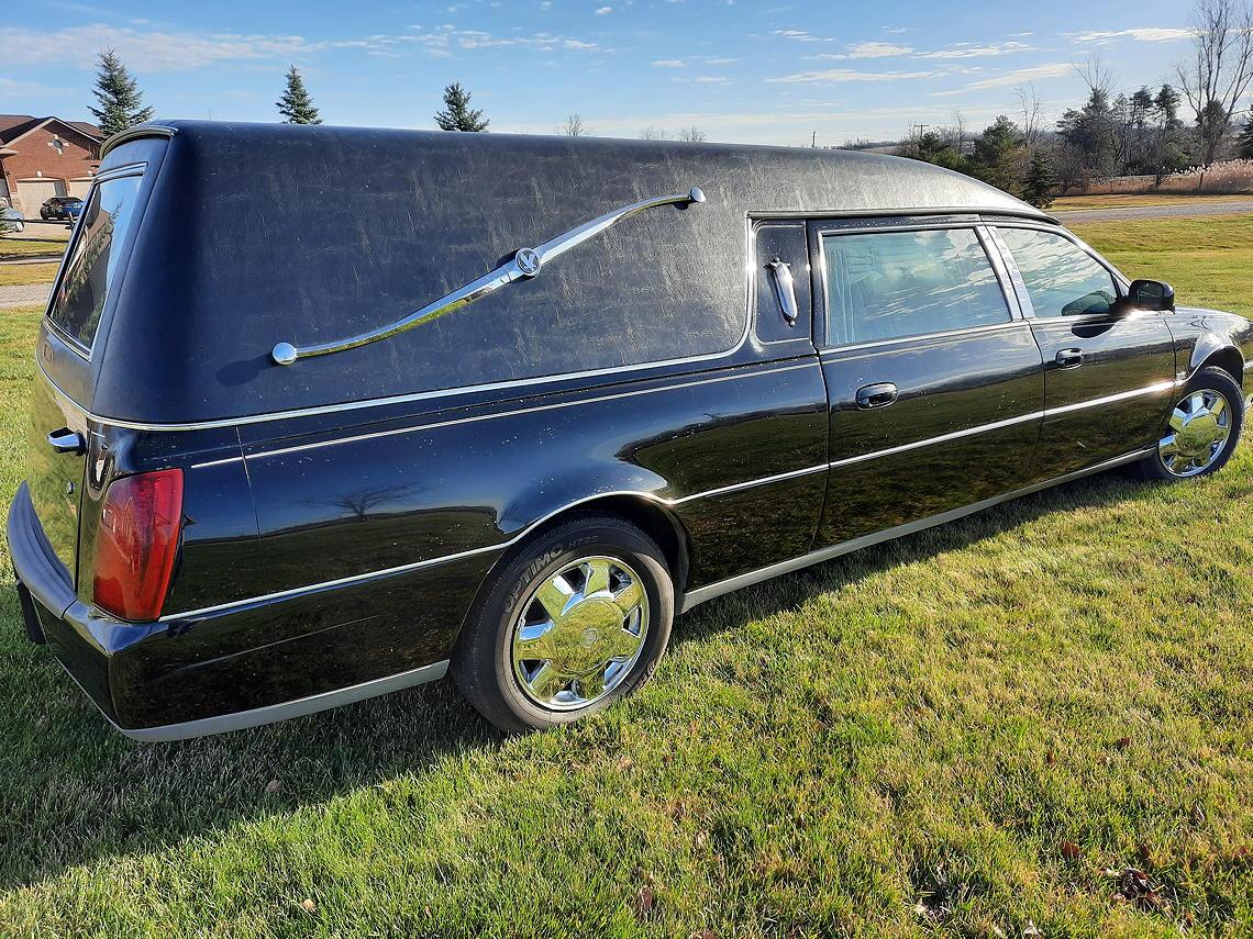 2001 eagle hearse back